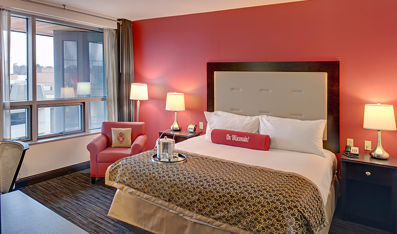 I Hotel Illini Room